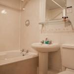 Bath_&_Shower_(light)_2